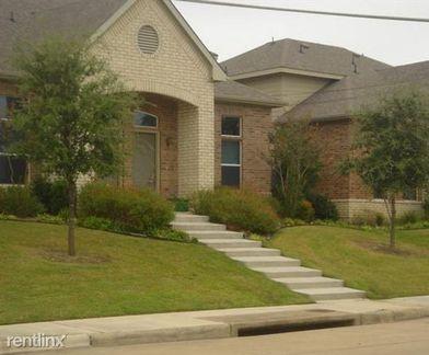 102 Se Dallas St 3425 Grand Prairie Tx 75051 2 Bedroom