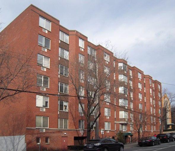 One Bedroom Apartments Nyc: 138-49 Barclay Avenue, New York, NY 11355 1 Bedroom