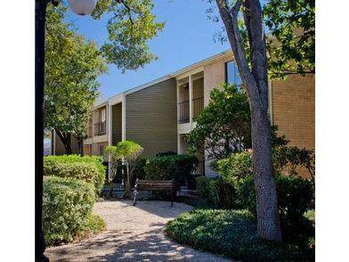 Oaks Of Ashford Point Apartments For Rent 4040 Synott Rd Houston