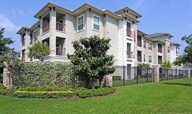Sorrento At Tuscan Lakes Apartments For Rent 1455 Louisiana Ave