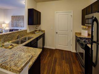 Parkview Apartments - 11513 Douglas Ave, Huntley, IL 60142