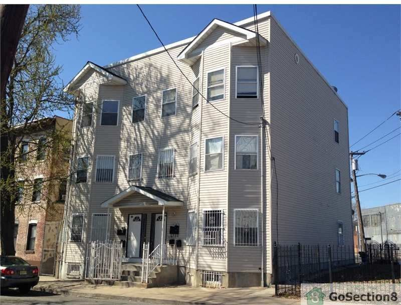 42 Astor St Newark Nj 07114 2 Bedroom Apartment For Rent