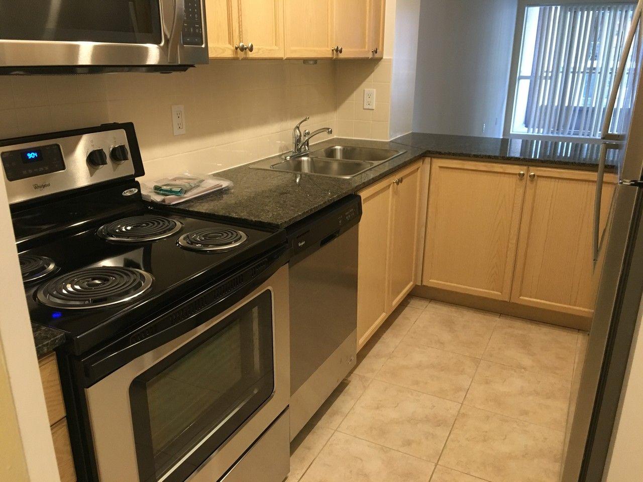 925 Bay Street 507 Toronto On M5s 3l4 2 Bedroom Apartment For Rent Padmapper