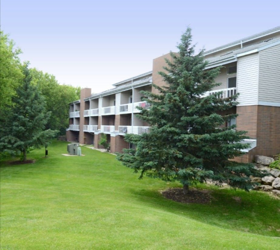 Income Restricted Apartments Milwaukee: Summit Hill Apartments For Rent