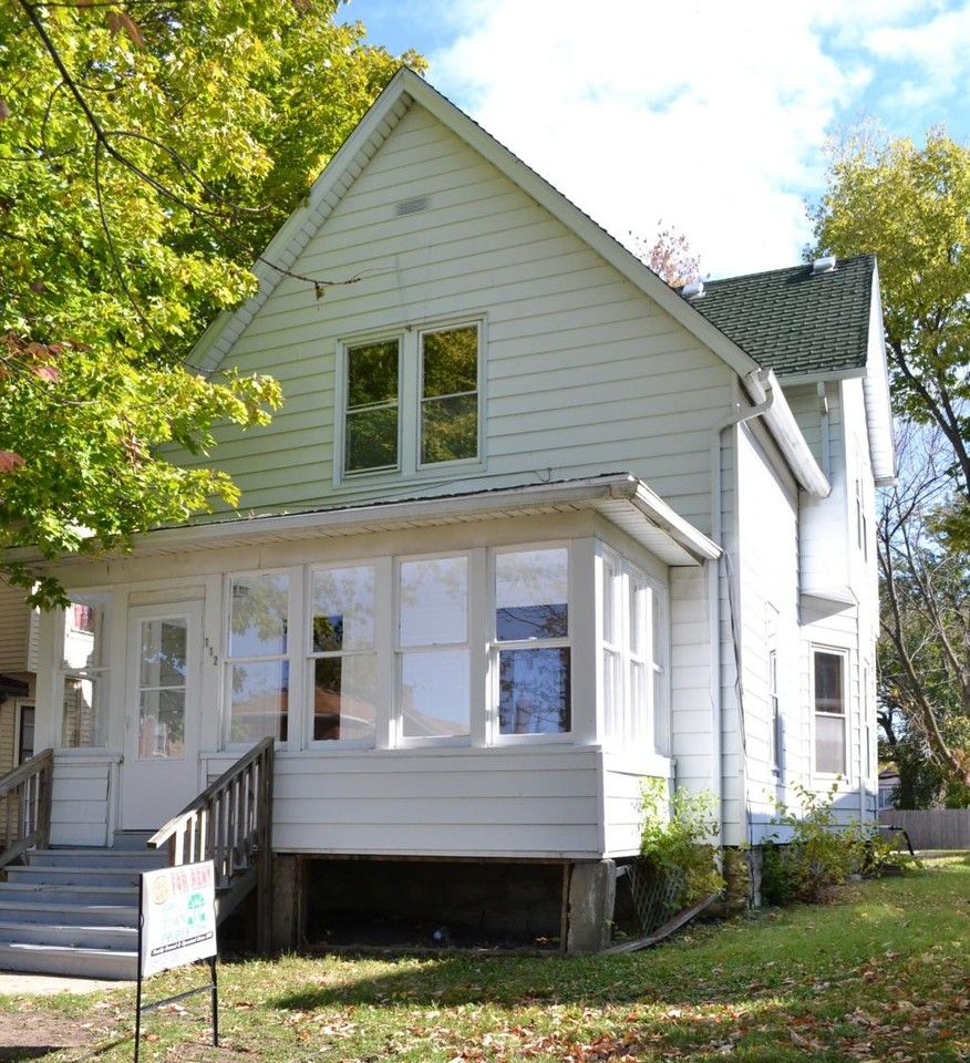 112 S Hunter Ave, Joliet, IL 60436 3 Bedroom House For
