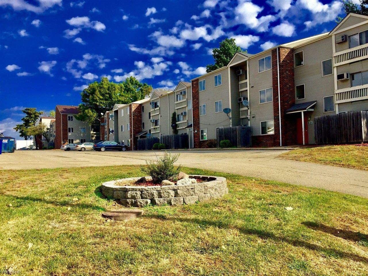 Crescent Pointe Apartments 501 Dr Champaign Il 61821 Zumper