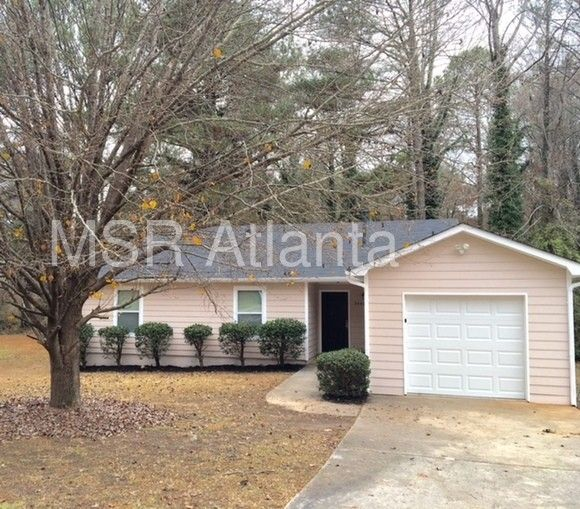 2449 Fairway Cir SW, Atlanta, GA 30331 3 Bedroom Apartment