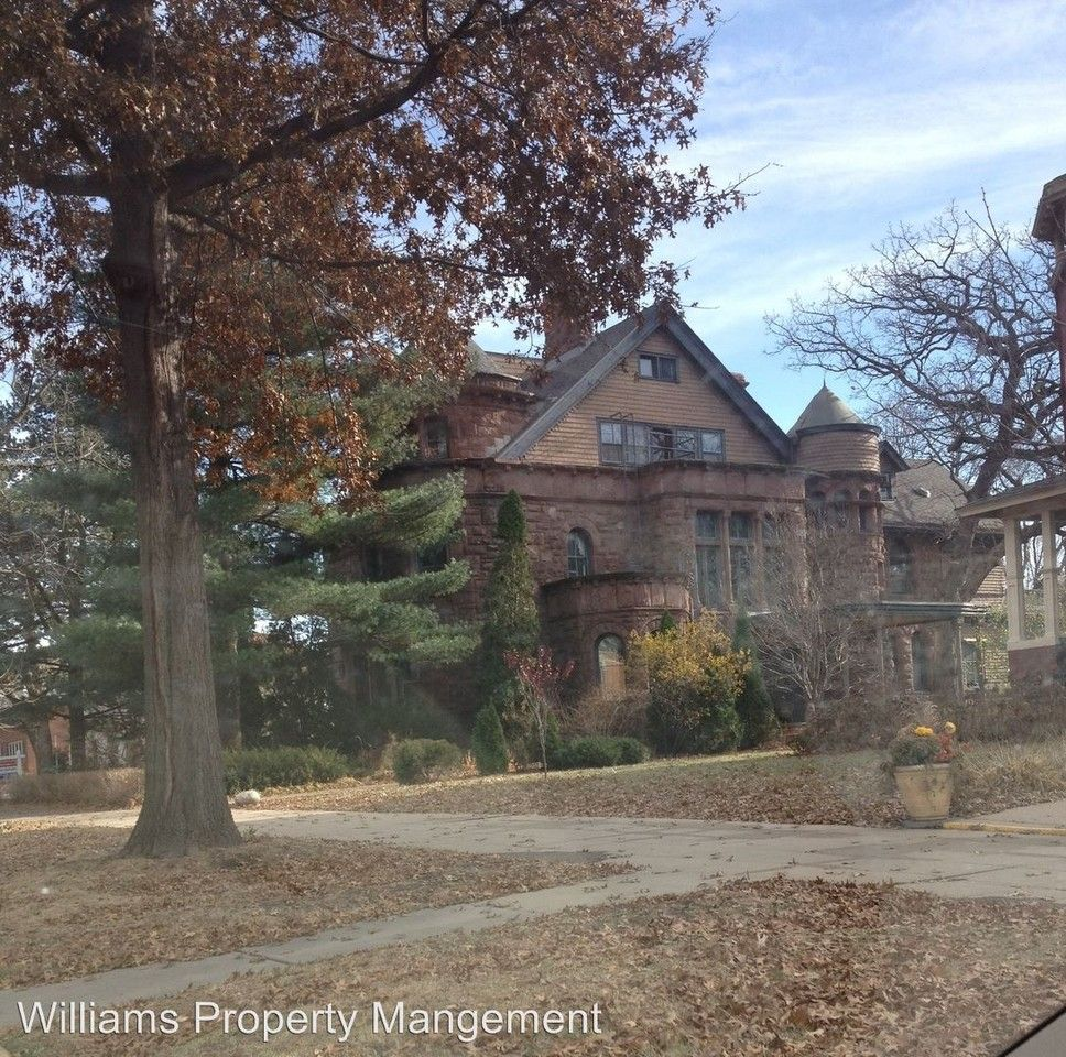 476 Summit Ave, St. Paul, MN 55102 Studio Apartment For