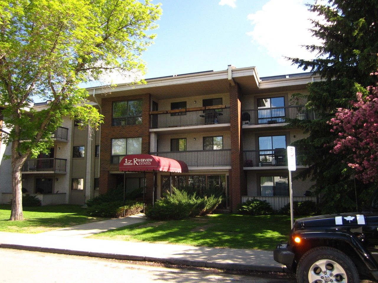 2611 1 Avenue Northwest #108, Calgary, AB T2N 0C5 2 ...
