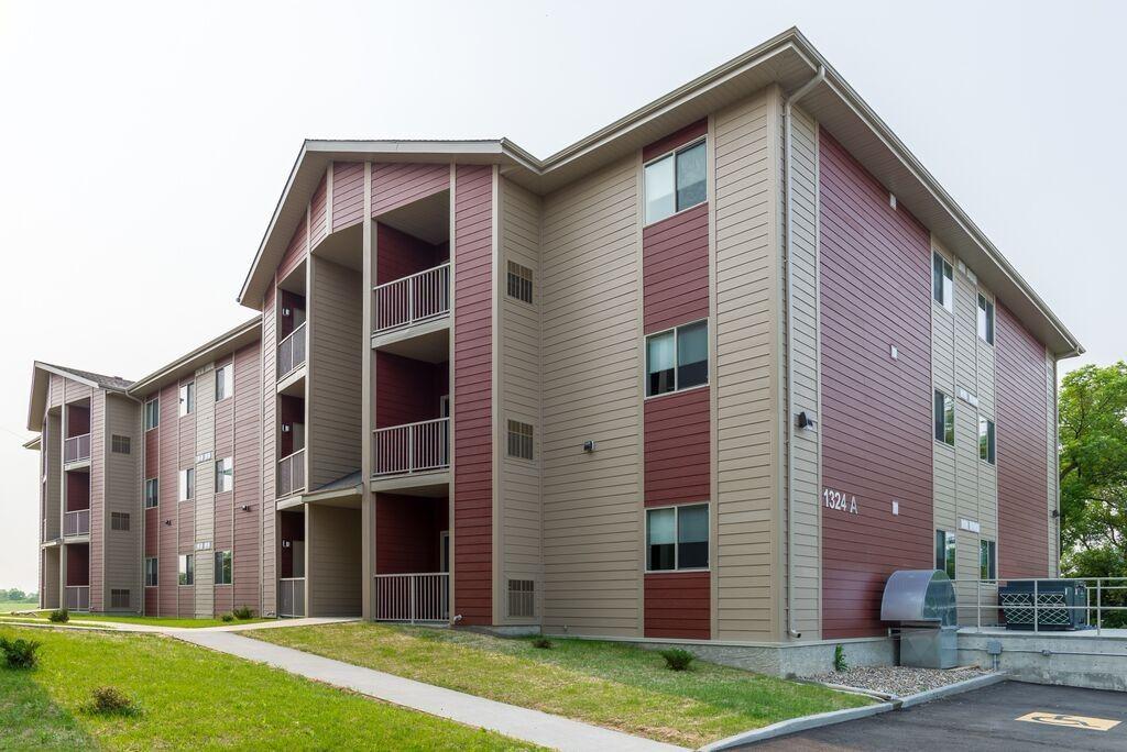 Castle Ridge Estates Apartments for Rent - 1324 1st Street ...