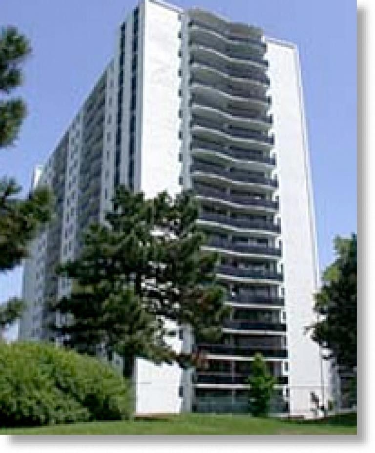 Kingston Square Apartments: 2550 Kingston Rd, Toronto, ON M1M 1L7