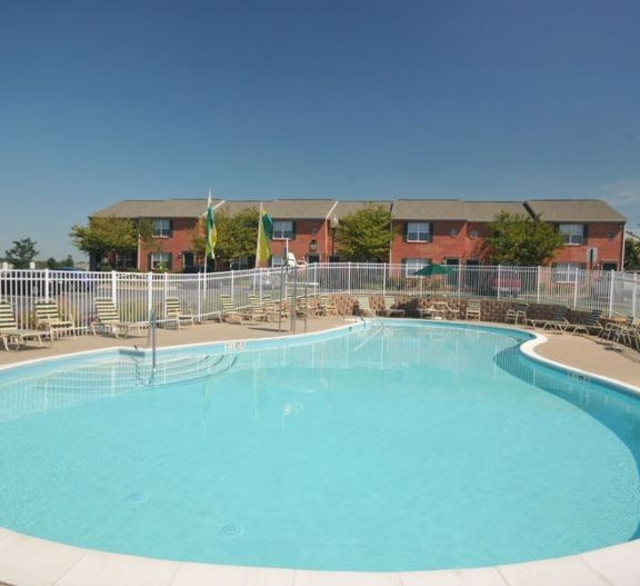 Crescent Pointe Townhomes Apartments For Rent