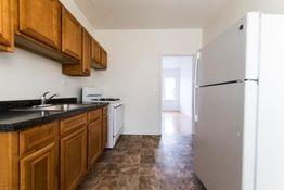 7757 S Peoria Apartments For Rent In Auburn Gresham