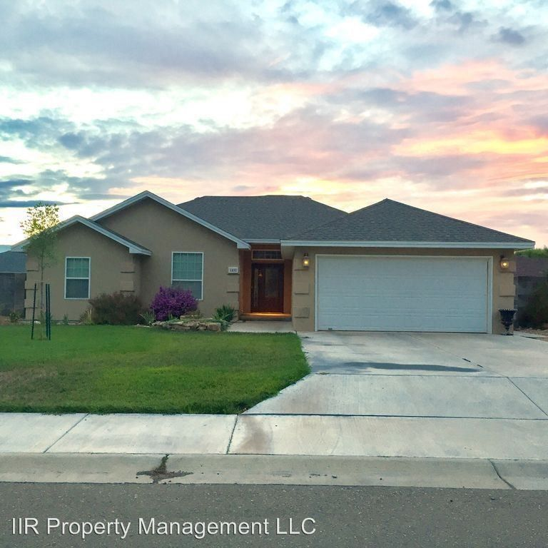1102 Saunders Dr, Roswell, NM 88201 4 Bedroom House For