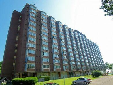 Lakes Tower Apartments For 6260 S Lake Dr Cudahy