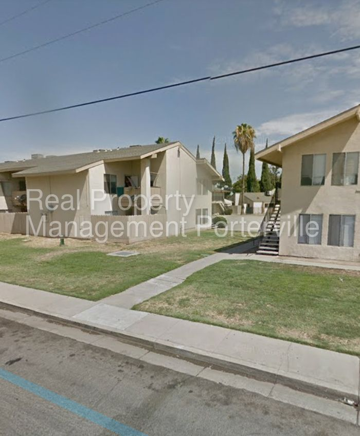 1776 W Olive Ave #13, Porterville, CA 93257 3 Bedroom