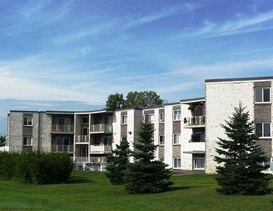 Excellent Anoka Flats Apartments For Rent 500 Greenhaven Road Anoka Home Interior And Landscaping Ologienasavecom
