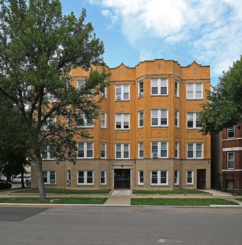 2200-04 N. Avers Ave. Apartments For Rent