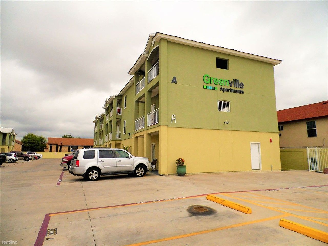 5402 Marcella Ave Laredo Tx 78041 2 Bedroom Apartment For Rent For 915 Month Zumper