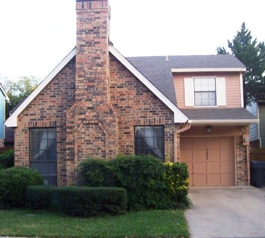 Apartments In Irving Tx Off Beltline Rd: 3002 Adolph Street, Dallas, TX 75204 2 Bedroom House For