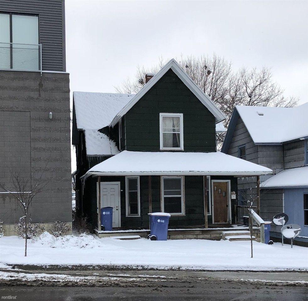 611 Michigan St NE Apartments For Rent