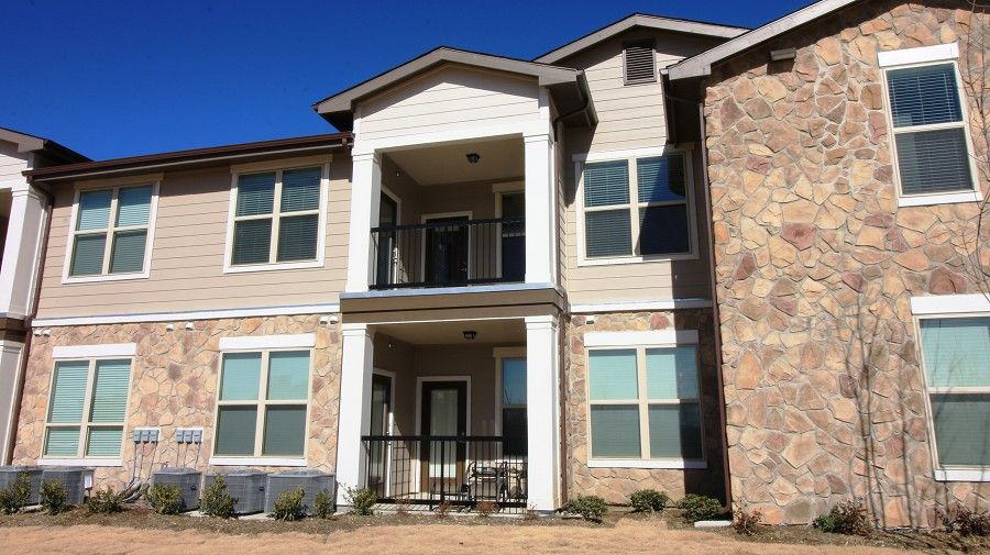 Eagle Crossing Apartments For Rent 8015 W Camp Wisdom Rd