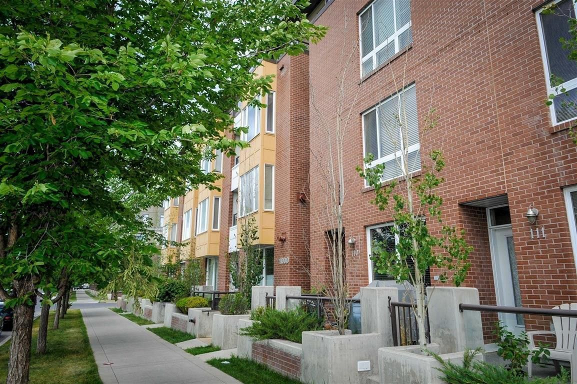 1000 Centre Ave NE, Calgary, AB T2E 9C7 Studio Apartment ...