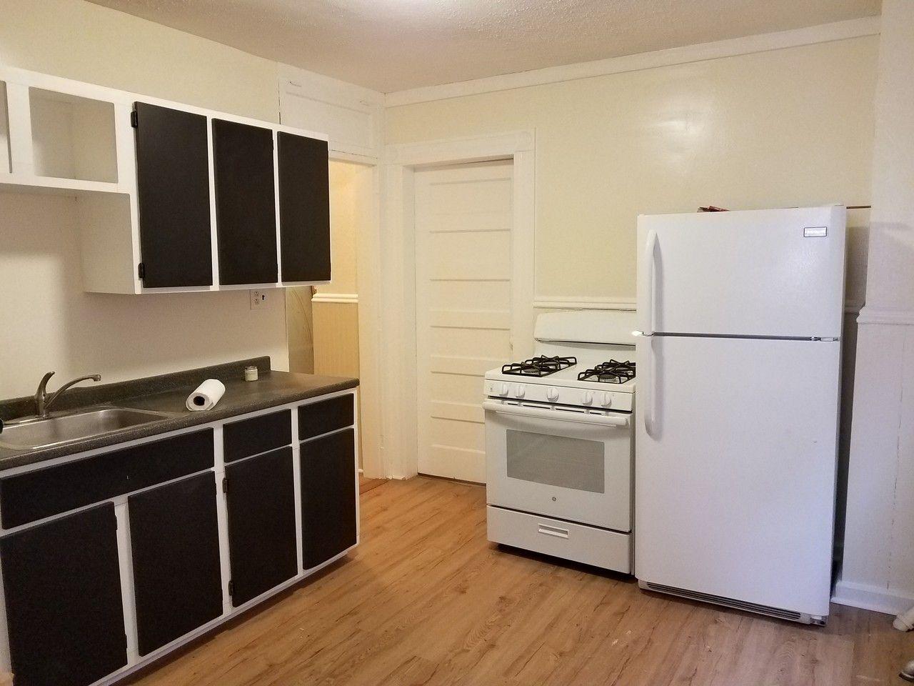 200 Main Street, Bridgeport, CT 200 20 Bedroom Apartment for Rent ...
