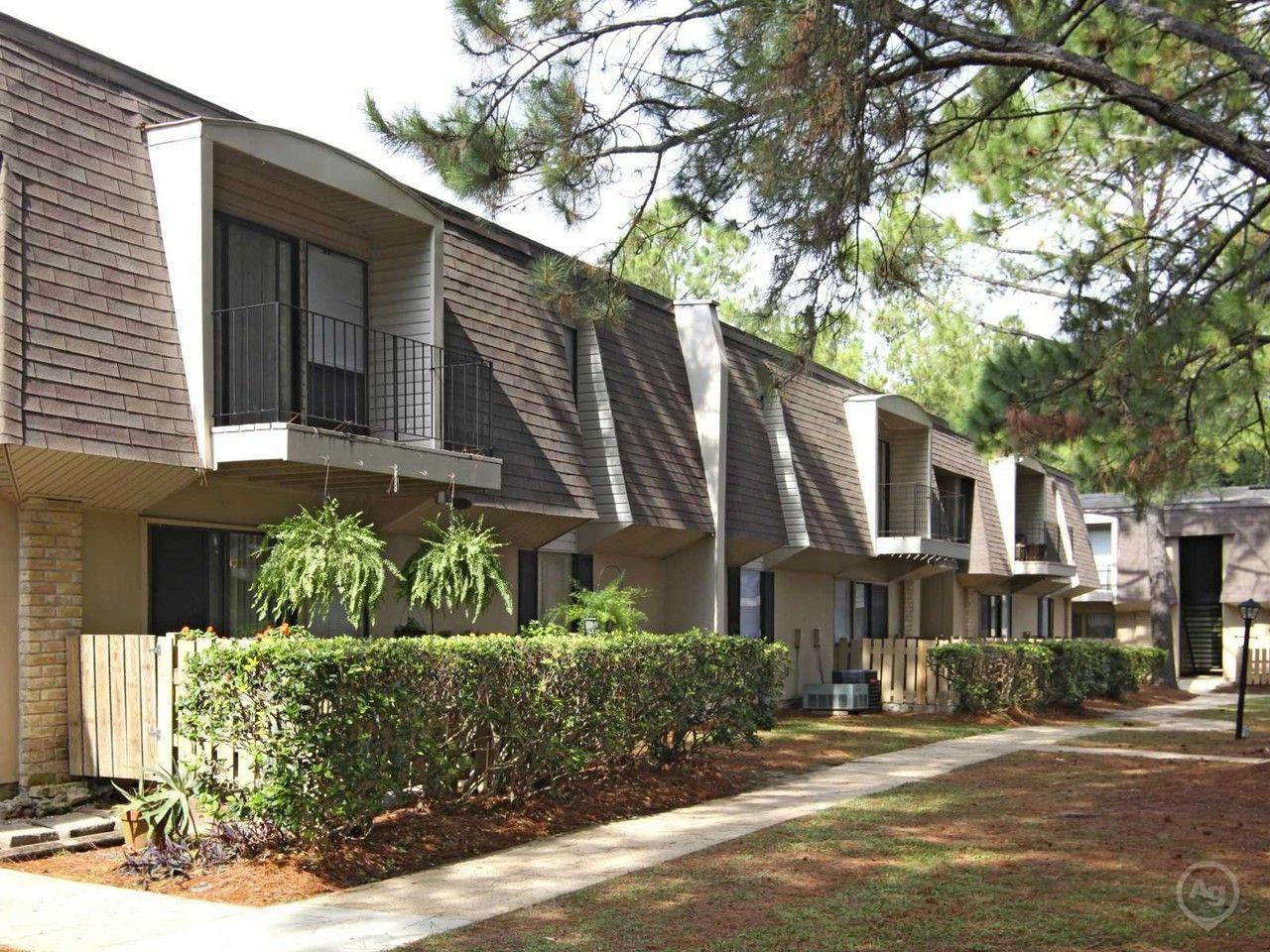 Maison de ville apartments for rent