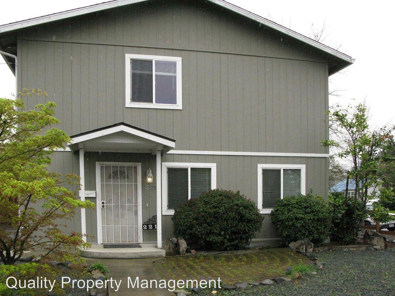 221 Monroe St, Medford, OR 97501 3 Bedroom House for Rent ...