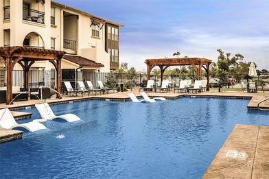 El Mirador Apartments For Rent 3210 Oak Ridge Ave Lubbock Tx