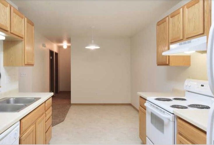 Car Rental Fargo Nd: Foxtail Creek Townhouses Apartments For Rent