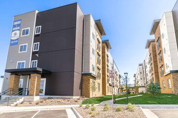 3905 S Monaco Pkwy, Denver, CO 80237 3 Bedroom House for