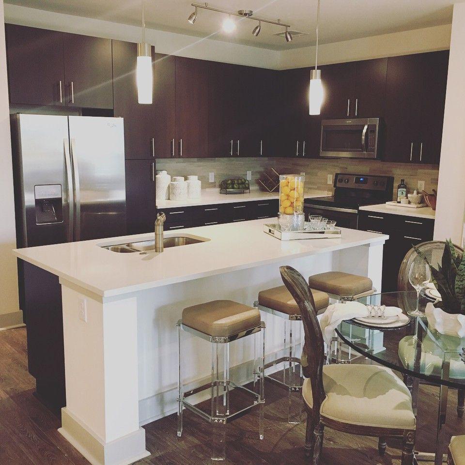 1 Shattuck Road #2I, Andover, MA 01810 2 Bedroom Apartment
