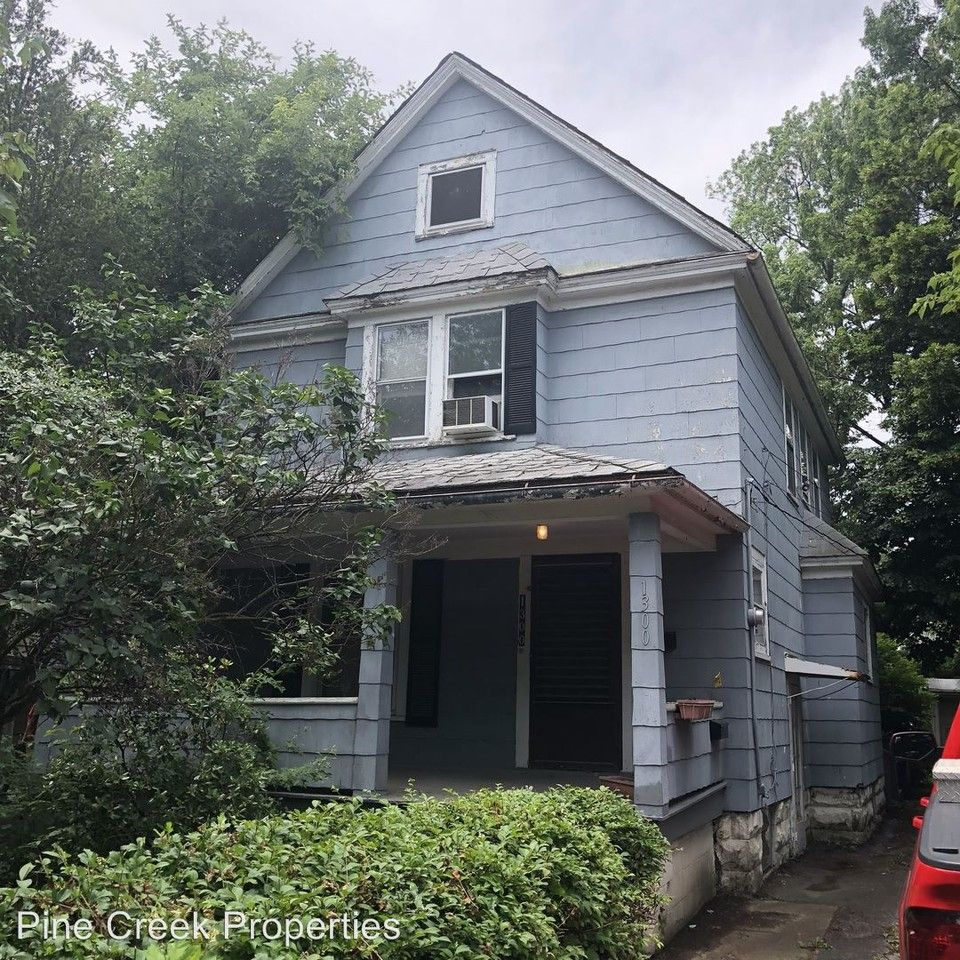 Forest Hills Apartments Cleveland Ohio: 1300 E 188th St, Cleveland, OH 44110 3 Bedroom House For