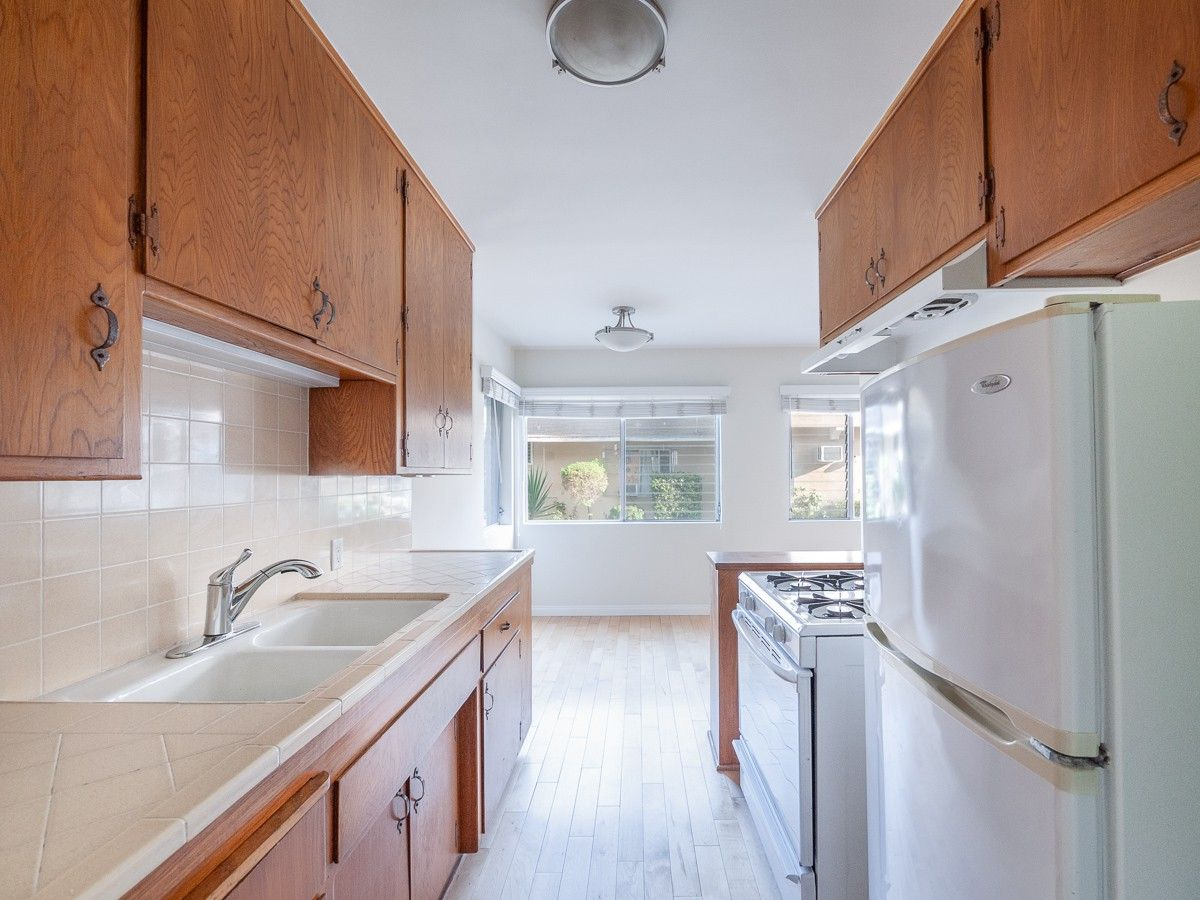 4325 Troost Avenue 2 Los Angeles Ca 91604 1 Bedroom Apartment For Rent For 1 850 Month Zumper