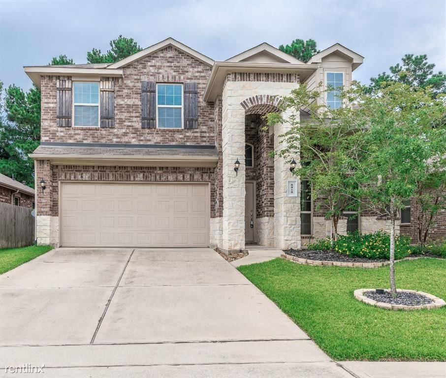 8818 Adrienne Dr, Tomball, TX 77375 4 Bedroom House For