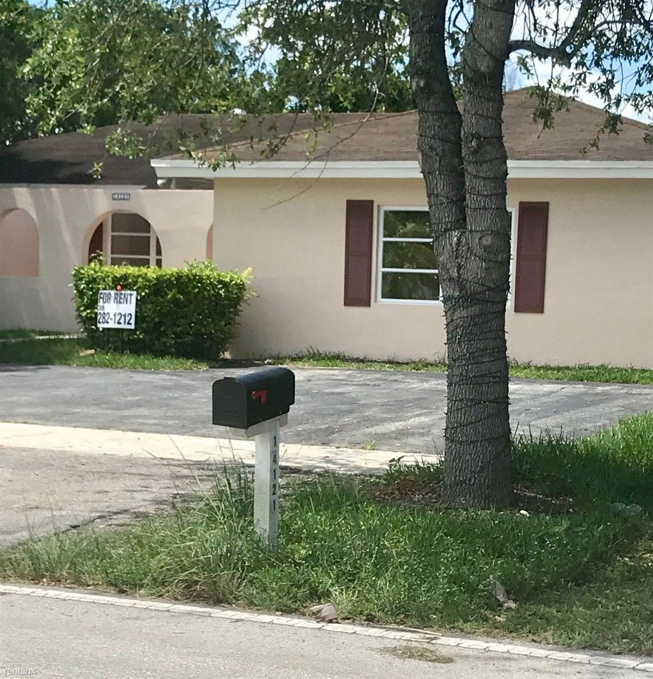 14121 SW 47th St, Kendale Lakes, FL 33175 5 Bedroom House