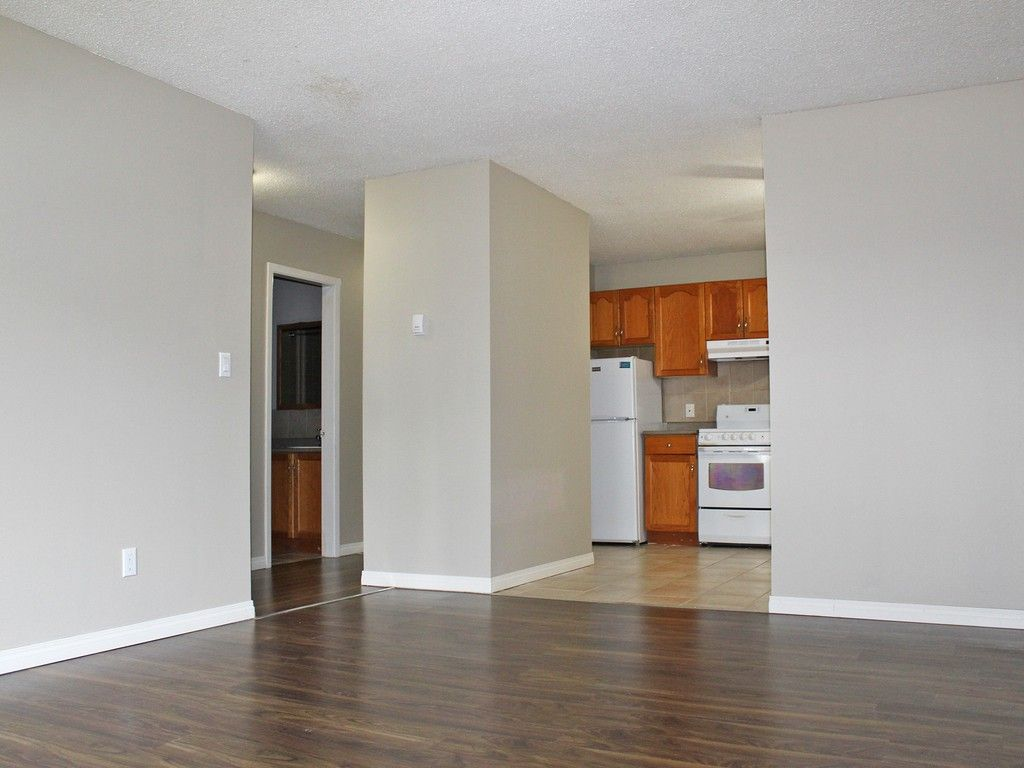 Whitehouse Apartments 10136 153 Street Nw Edmonton Ab