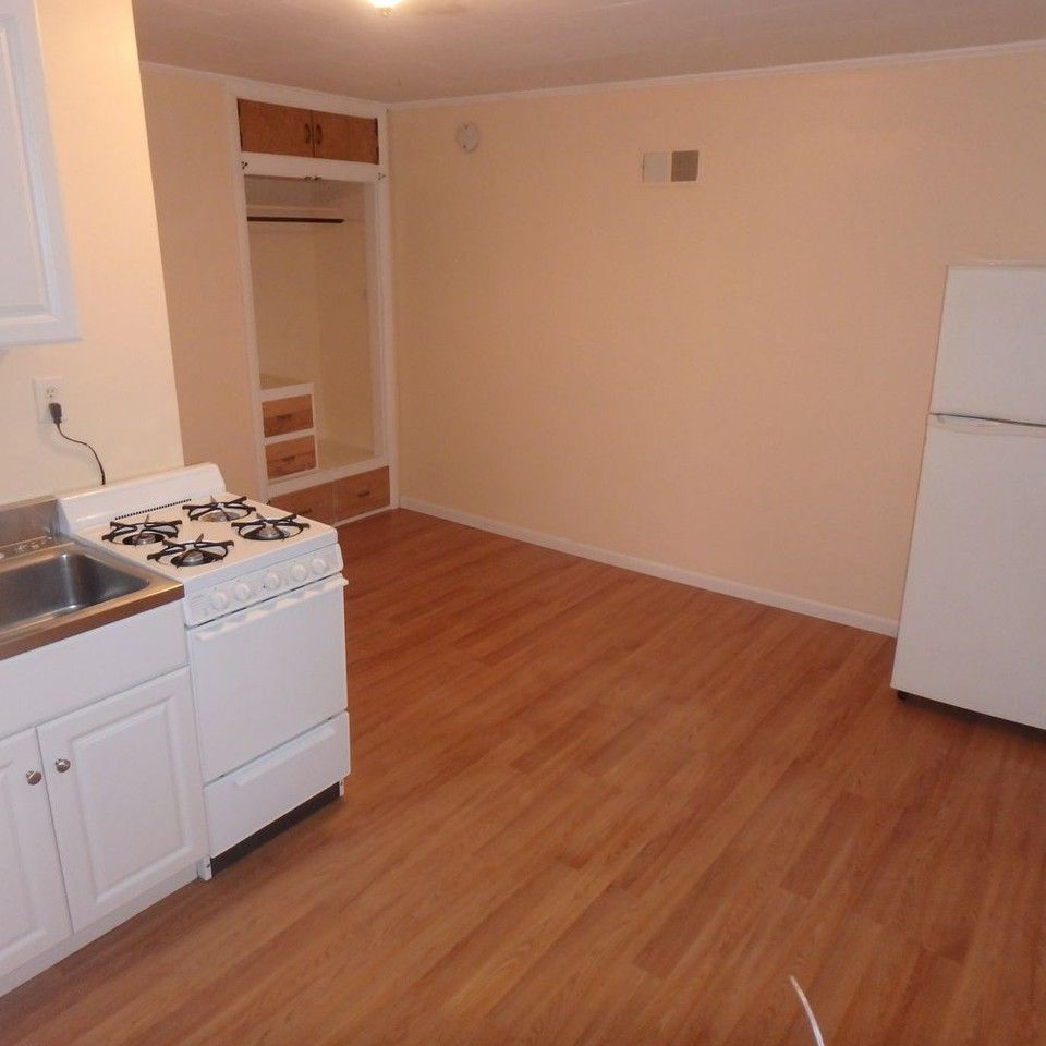 315 Pine St, Lewiston, ME 04240 Studio Apartment For Rent