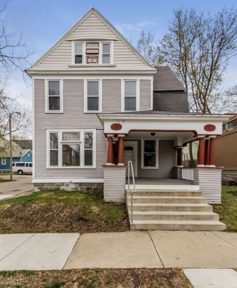 642 Evans St Se, Grand Rapids, MI 49503 6 Bedroom House