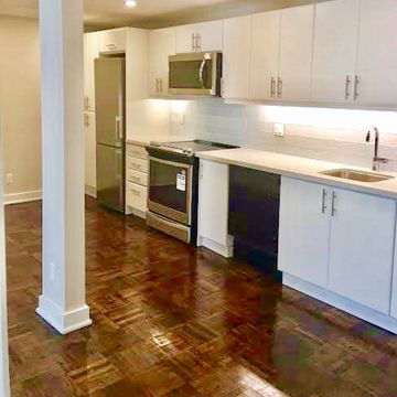 Cosburn Ave At Pape Ave Toronto On M4j 2l1 2 Bedroom Apartment