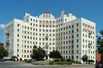 Stuart Court Apartments For Rent 1600 Monument Avenue