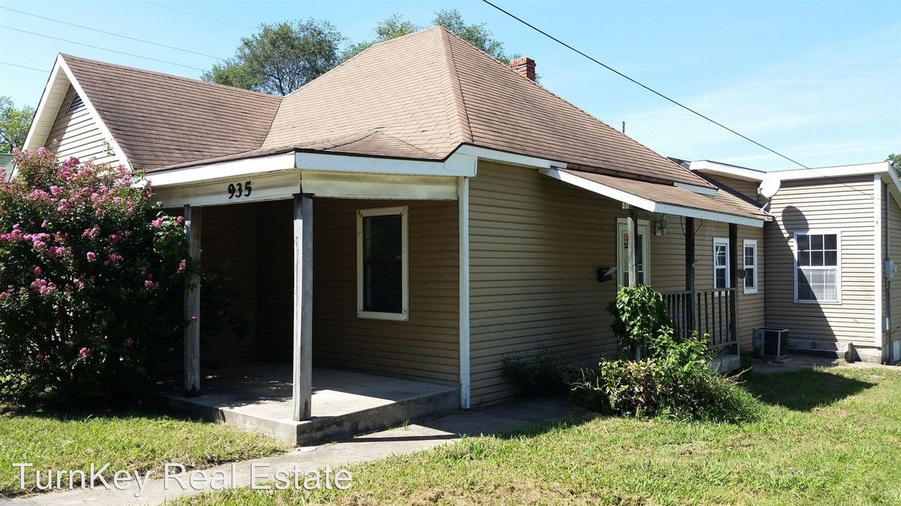935 W Harrison St, Springfield, MO 65806 3 Bedroom House ...
