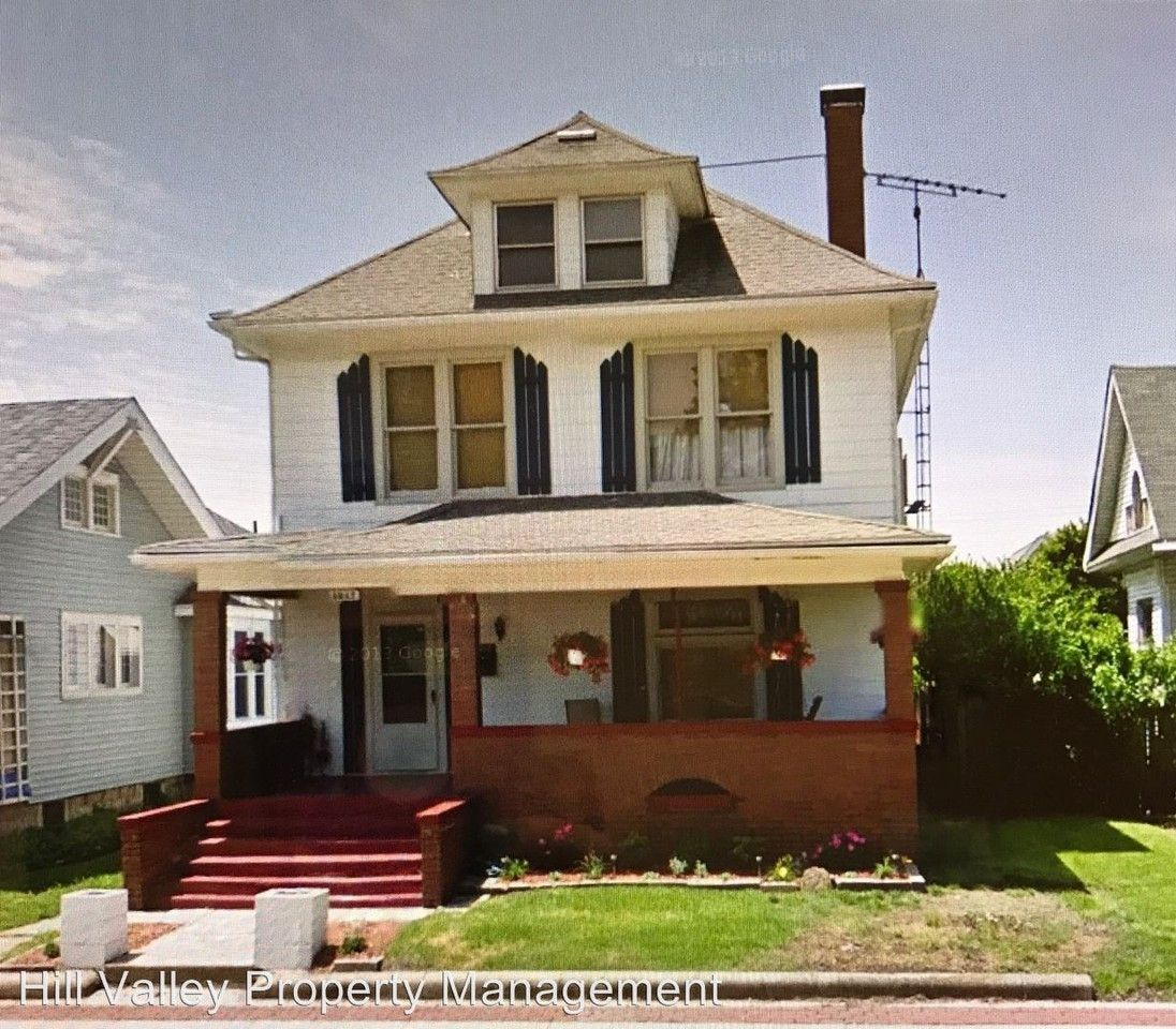 1217 S 4th St, Terre Haute, IN 47802 4 Bedroom House For