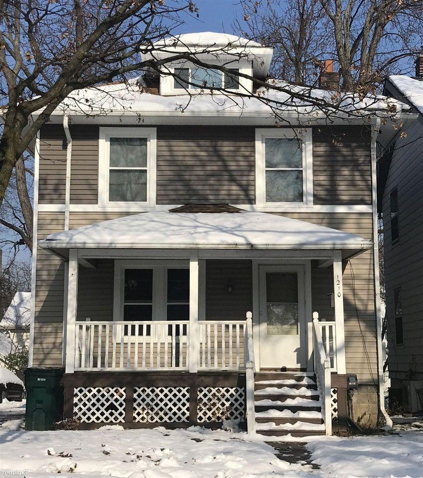 1210 W Barnes Ave, Lansing, MI 48910 3 Bedroom House For