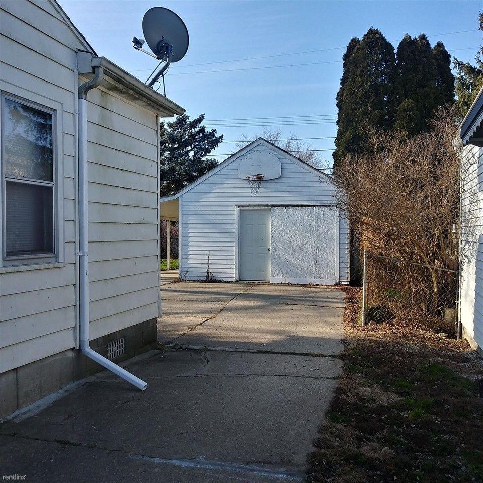 22519 Wilmot Ave, Eastpointe, MI 48021 4 Bedroom House For