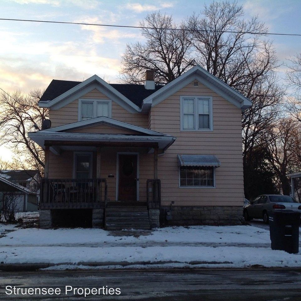 Apartments Near Me No Deposit: 839 Wright St, Oshkosh, WI 54901 4 Bedroom House For Rent