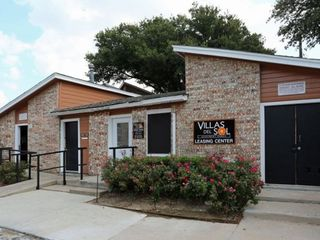 2241 W Rosedale Street Guest House, Fort Worth, TX 76110 1
