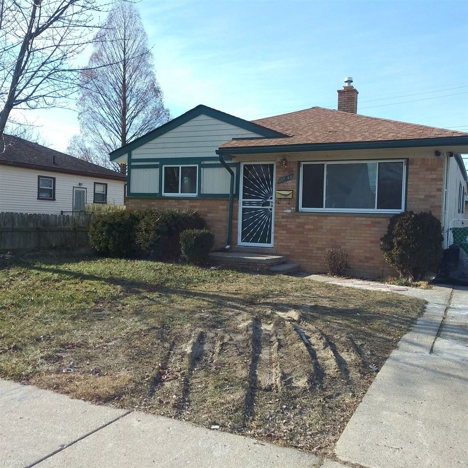 22843 Lambrecht Ave, Eastpointe, MI 48021 3 Bedroom House